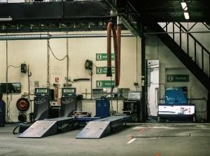 semi truck repair garage
